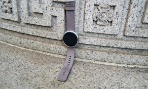 Android Wear is losing the war of smartwatches
