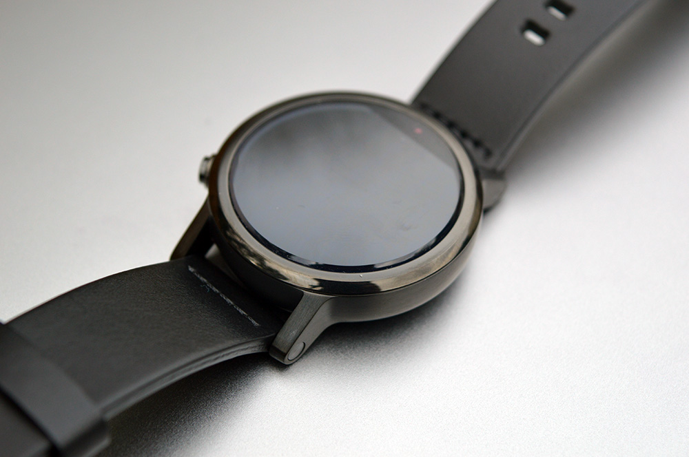 Best Android Wear Watch - Moto 360 2 (2015) display