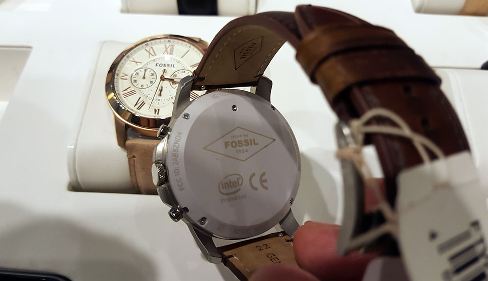Fashion Technology is oozing out of the latest Fossil Q Line smartwatch with Intel Inside