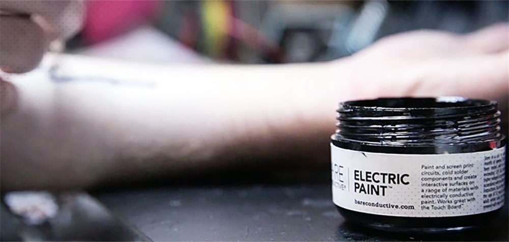 electric paint pot used for Biometric Tattoos by chaotic moon