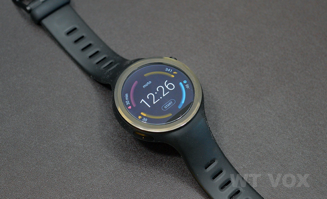 moto 360 sport review design and specs watch face