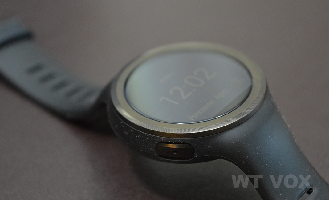 moto 360 sport review design and specs