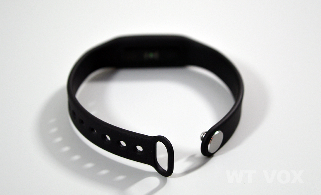 mi-band-pulse-design-and-specs-pin