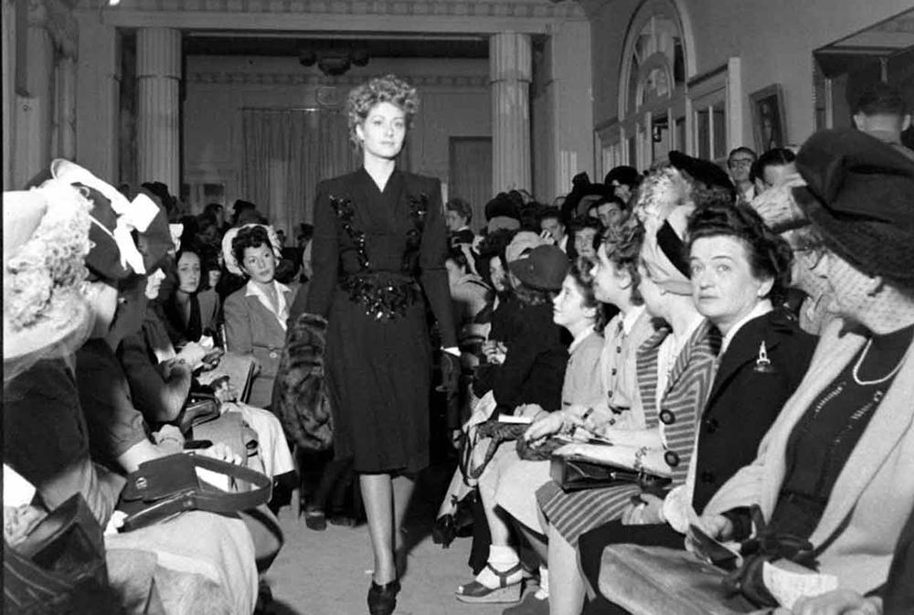 fashion shows before 1944