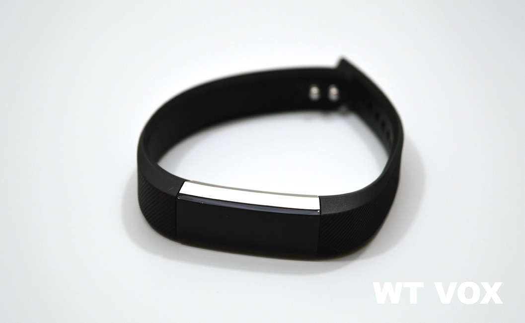 Fitbit Alta Review - Design And Specs front