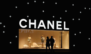 Technology-Reshape-Luxury-Experience-chanel-store