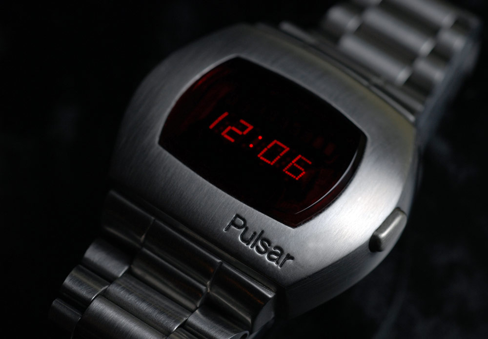 Wearables Future: A New Approach To Understanding The Adoption Of Smartwatch - WTVOX research impact - Pulsar watch being introduce on 1970s as the first all electric digital watch