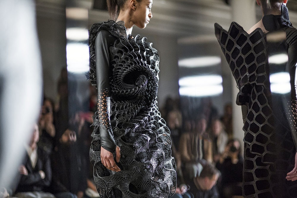 Fashion Biomimicry - 3dprinted black dress