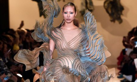 Fashion Biomimicry - fashiontech dress on the catwalk