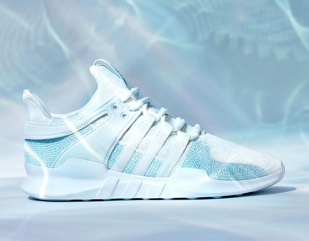 Adidas Parley under water