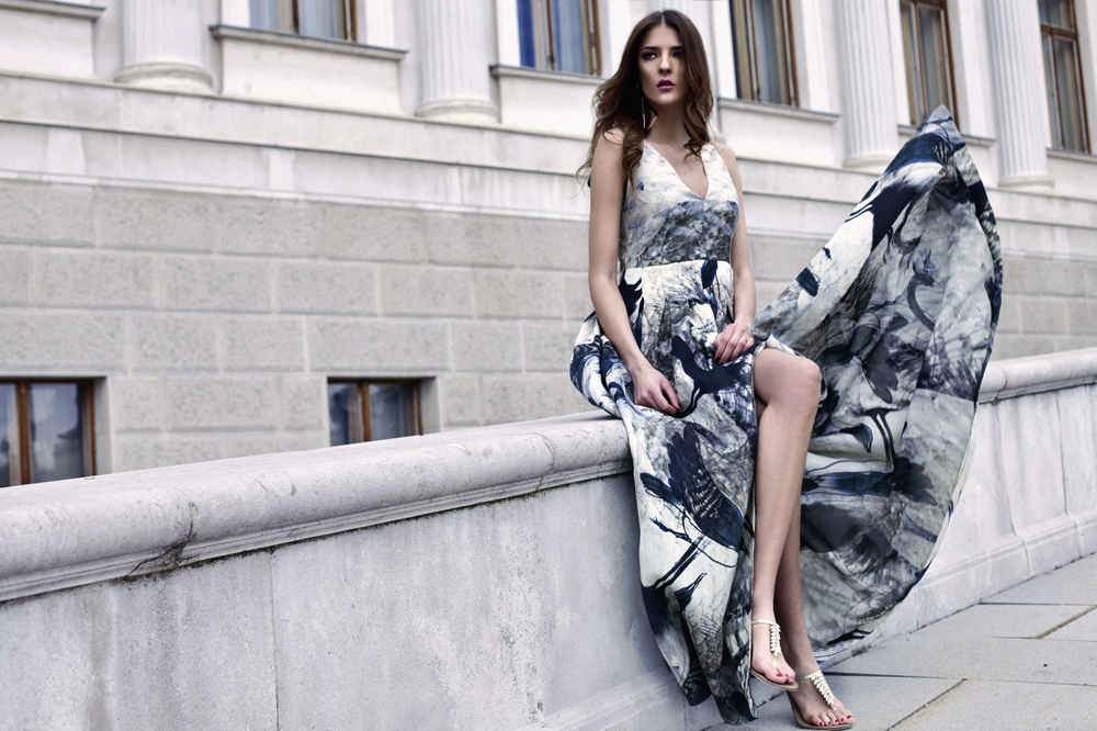 Sustainable Fashion Labels - model on stairs