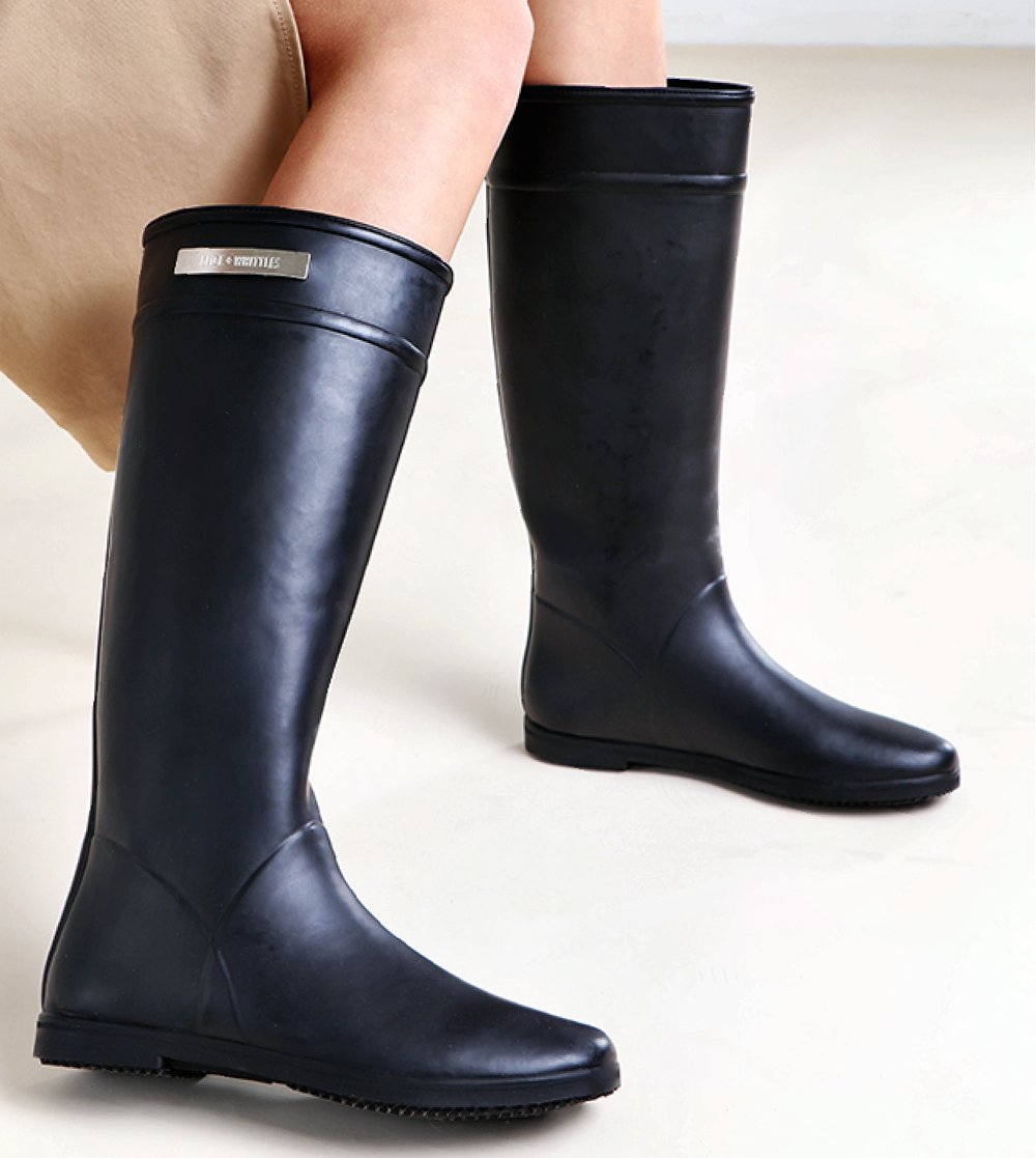 Vegan Boots For Winter - Alice+Whittles black riding boot