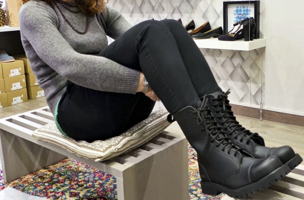 Vegan Boots For Winter - Nae B-Gun with jeans