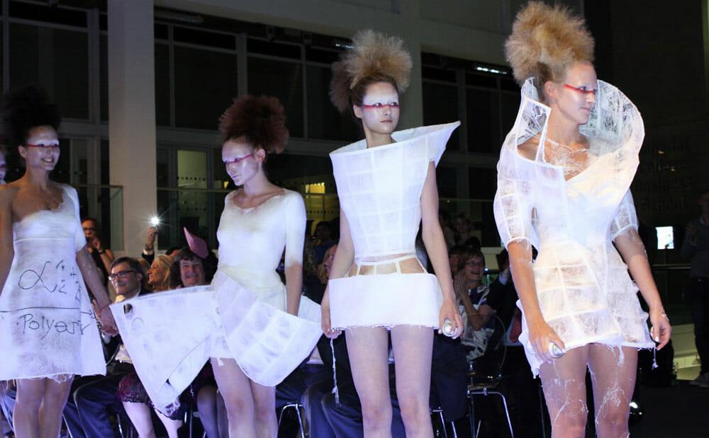 Fabrican sprayable clothes - WTVOX