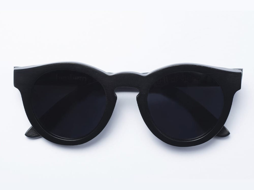 Wear Panda Hepburn wooden sunglasses