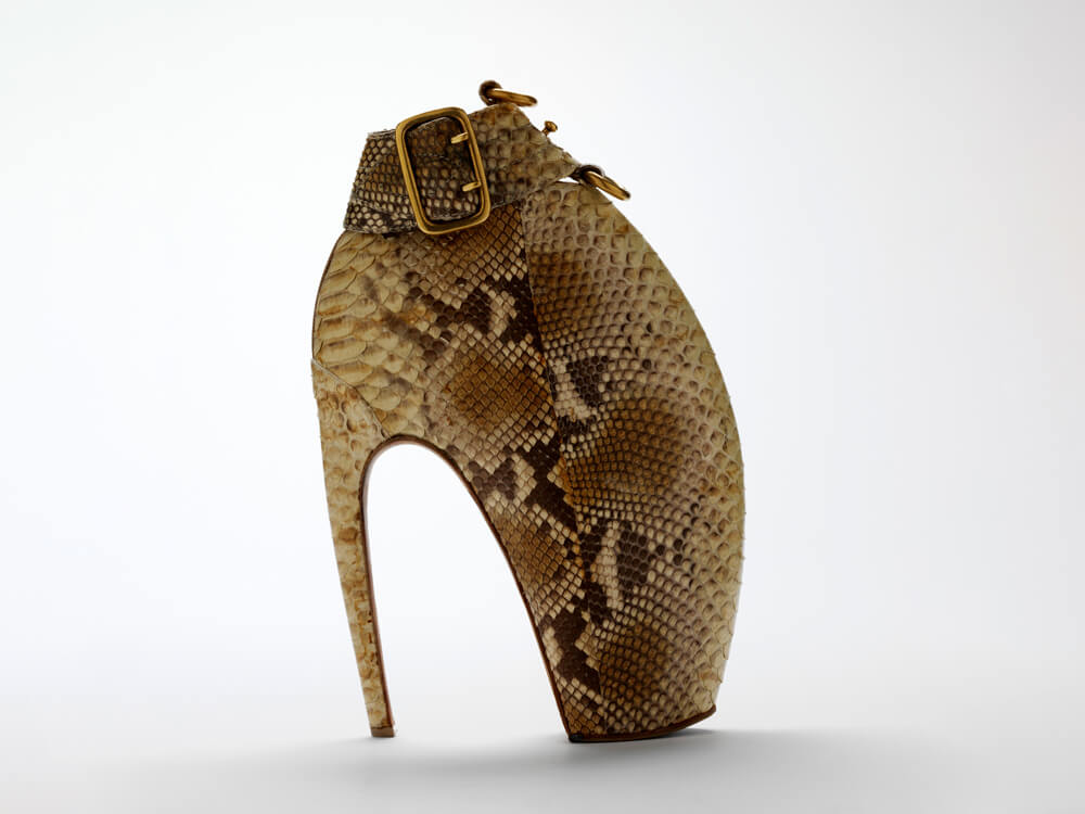 Alexander McQueen Fashion Plato Atlantis 2010 - the Armadillo Boot