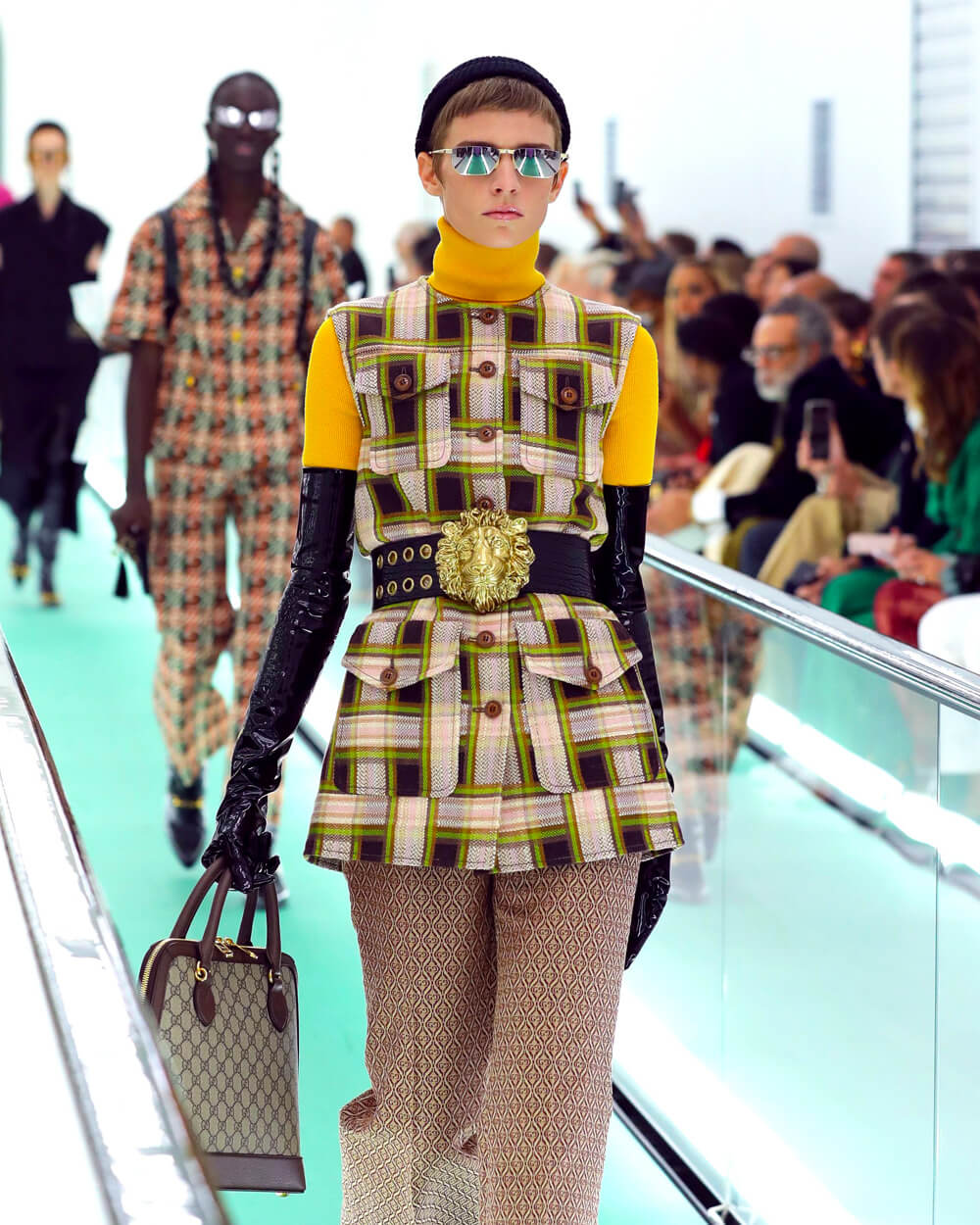 Gucci stops midseason fashion
