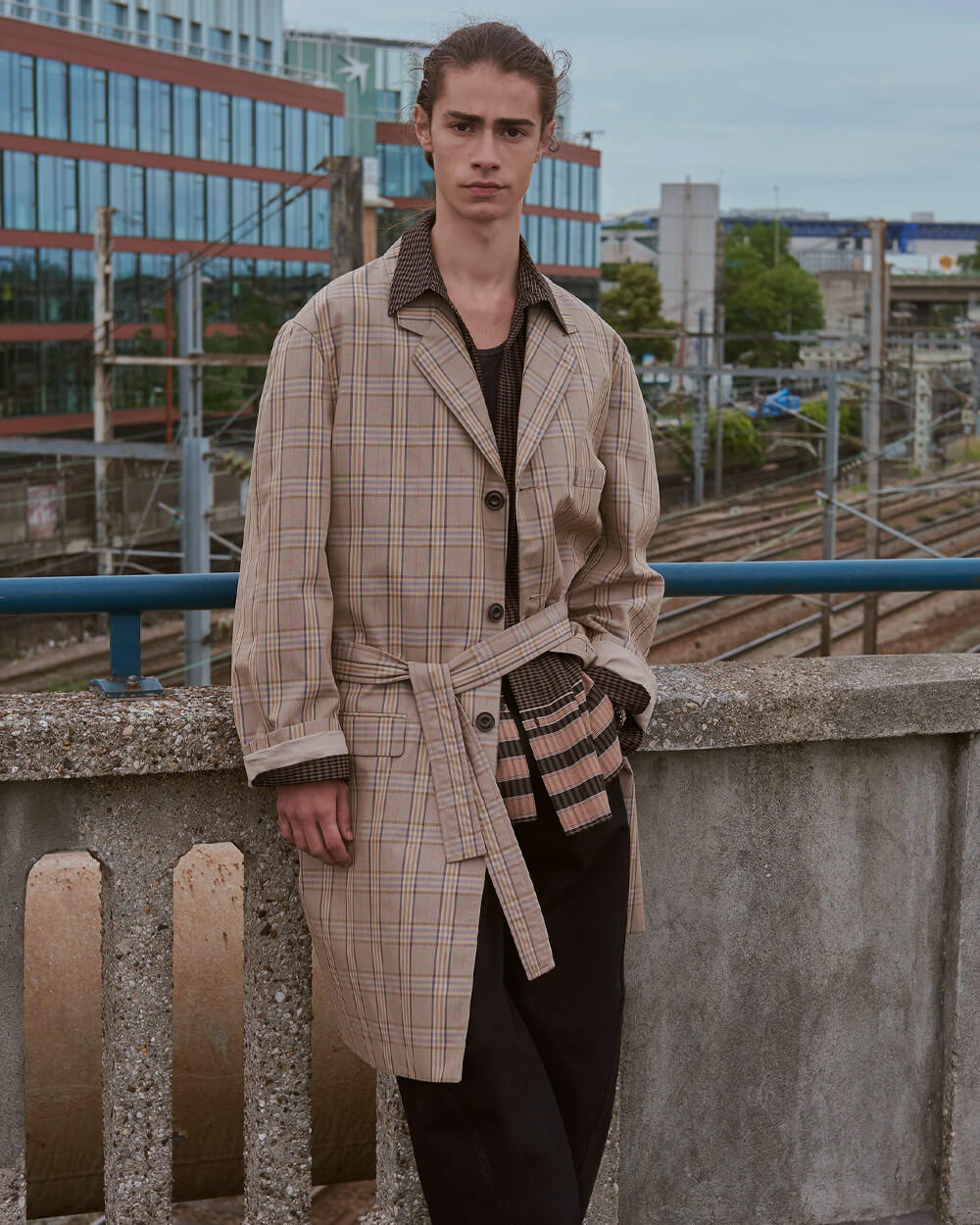 Lemaire Dark Academia look - Spring 2019 Menswear Paris Collection