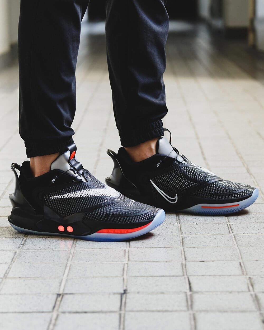 Nike Adapt BB 2.0 high tech sneakers