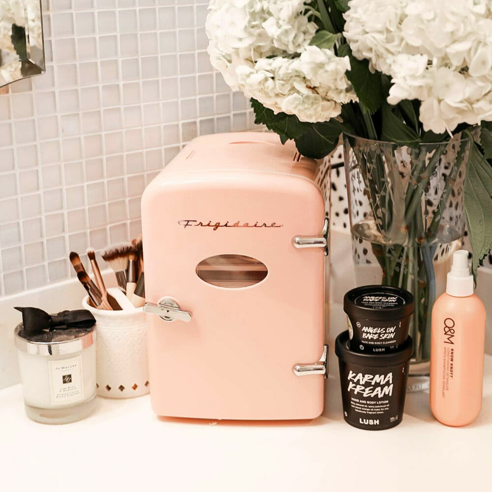 AstroAI beauty fridge