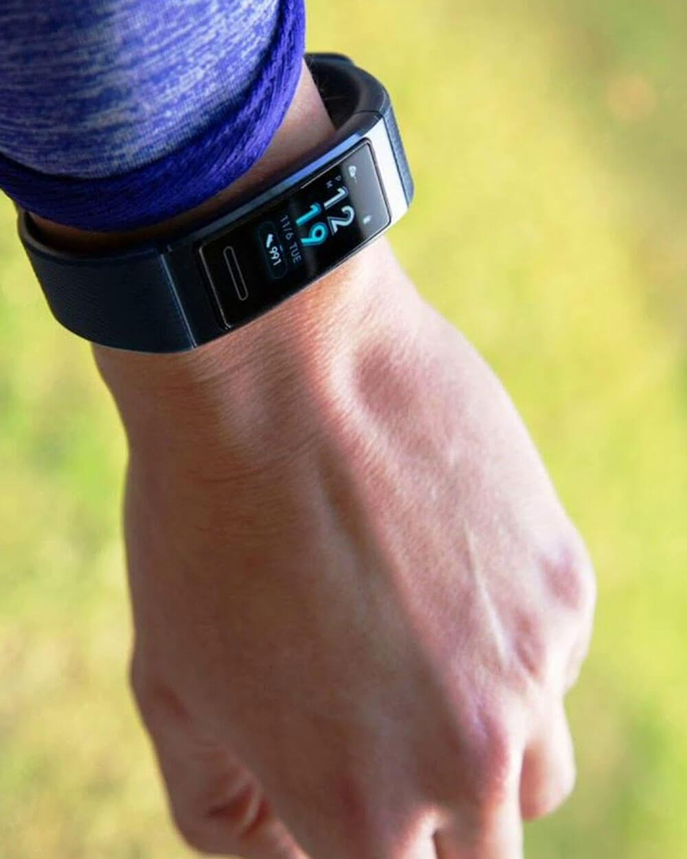 Huawei Band 3 Pro fitness tracker