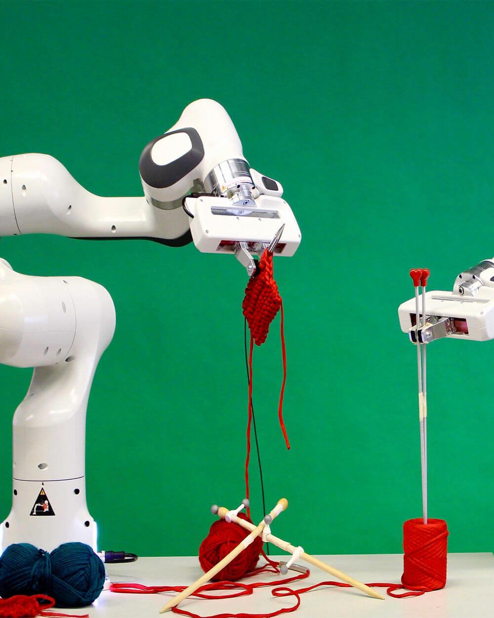 Fashion Knitting Robots