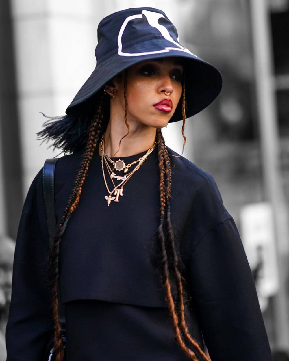Bucket hat fashion trends 2021