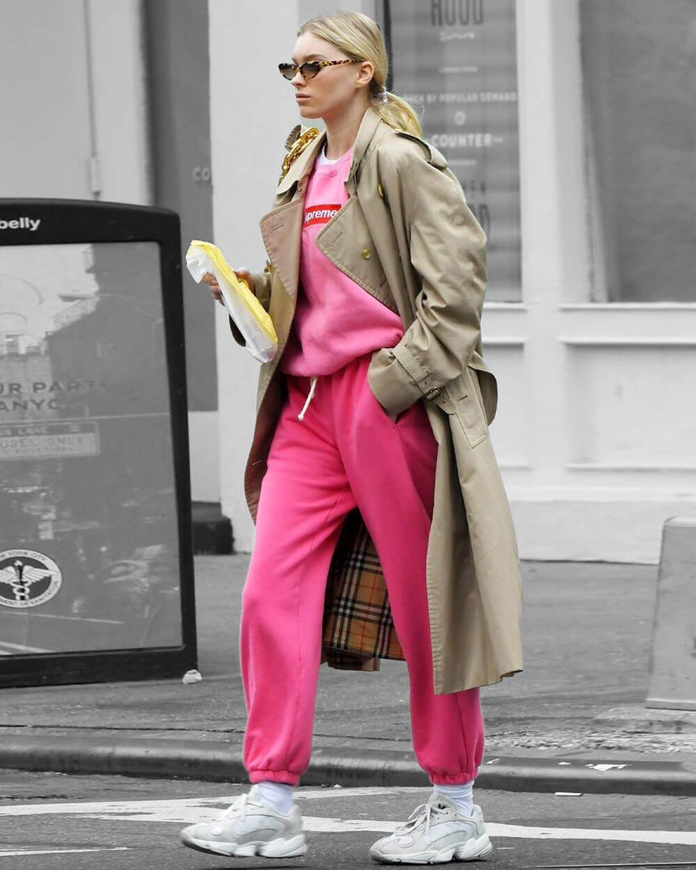 Candy-colored sweatpants trends 2021