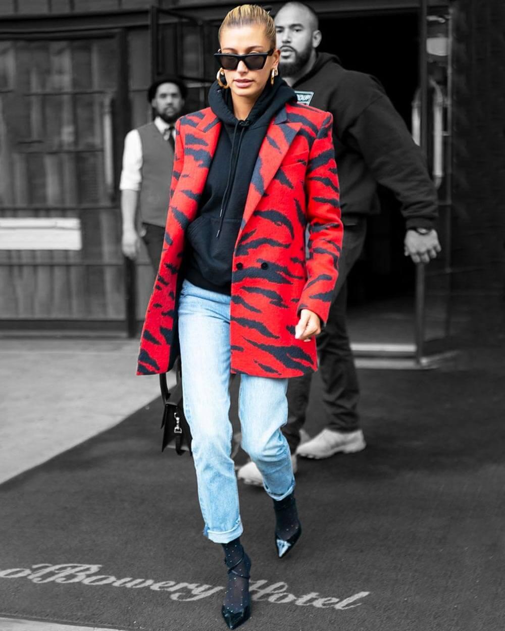 Hoodie under blazer fashion trend 2021