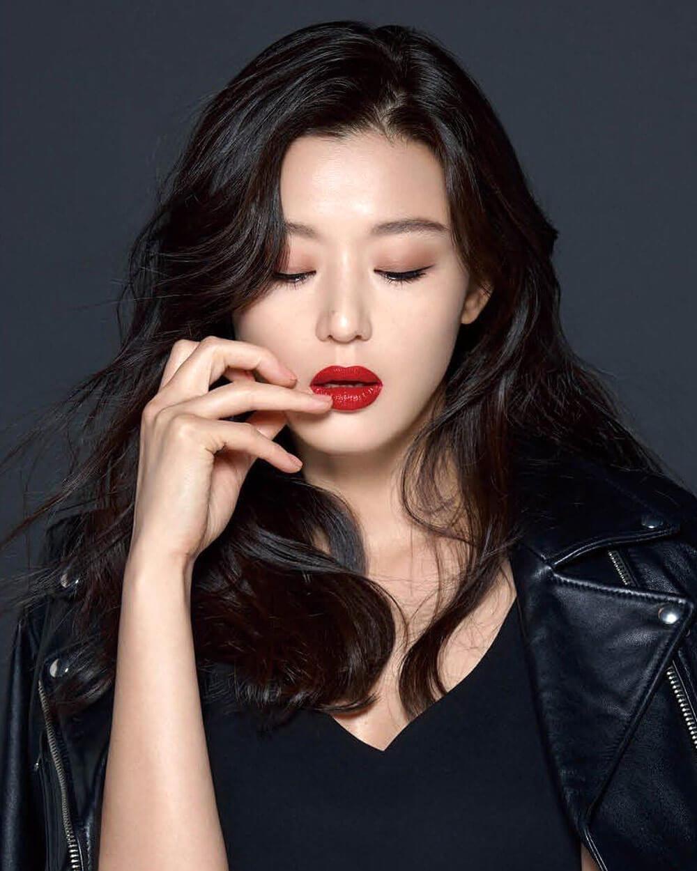 Jun Ji-Hyun (전지현) Korean Beauty Idol