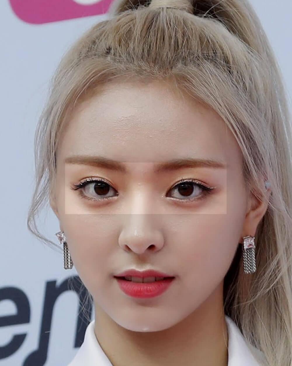 Larger eyes in Korean beauty standards