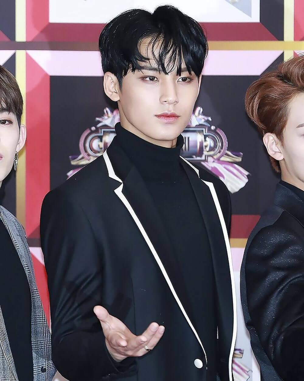 Korean Male Kpop beauty standards