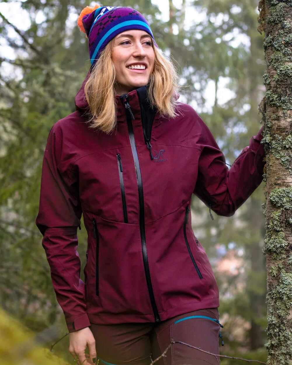 what-to-wear-hiking-Hiking-Jackets