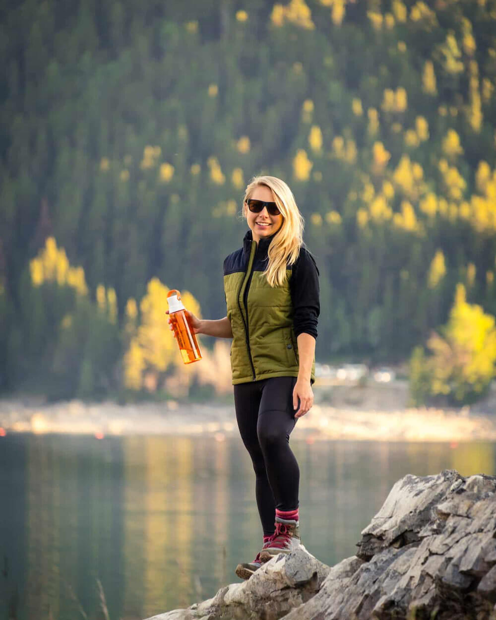 what-to-wear-hiking-Puffy-Hiking-Vest