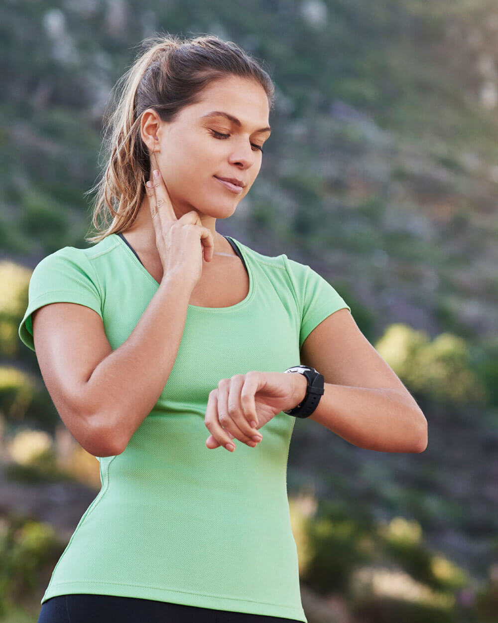 what-to-wear-hiking-fitness-tracker