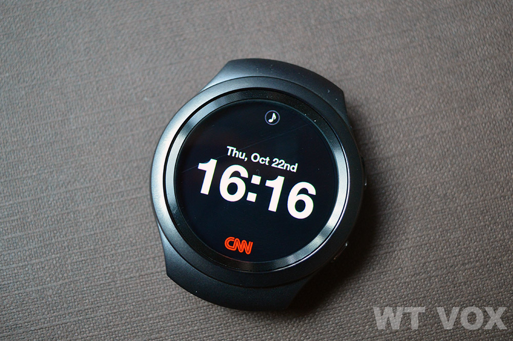 Samsung-Gear-S2-Review---Performance-And-Features-watch-face-cnn